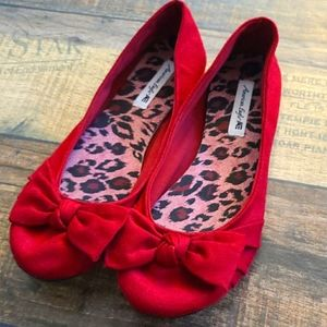 AE Red Flats, size 7.5